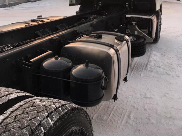 Изотермический фургон на шасси DAF FAS XF480 SC